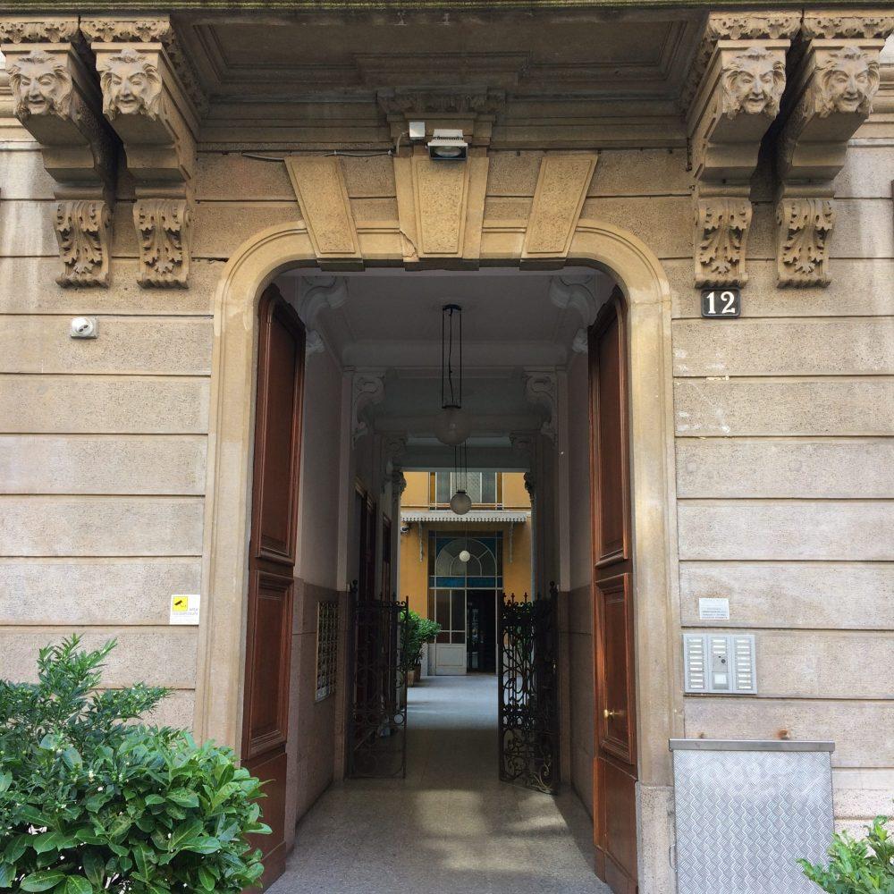visit tour luxury entrance Milan