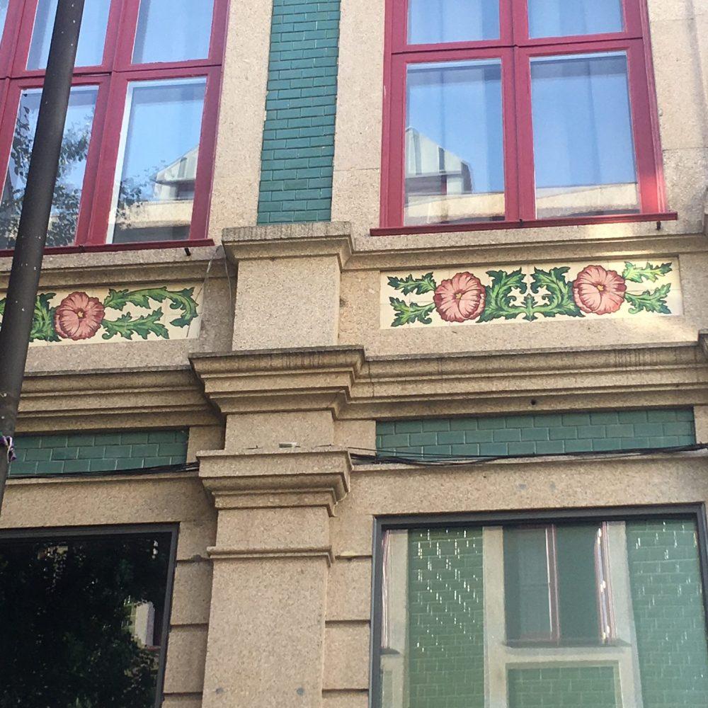street tiles Arte Nova Porto
