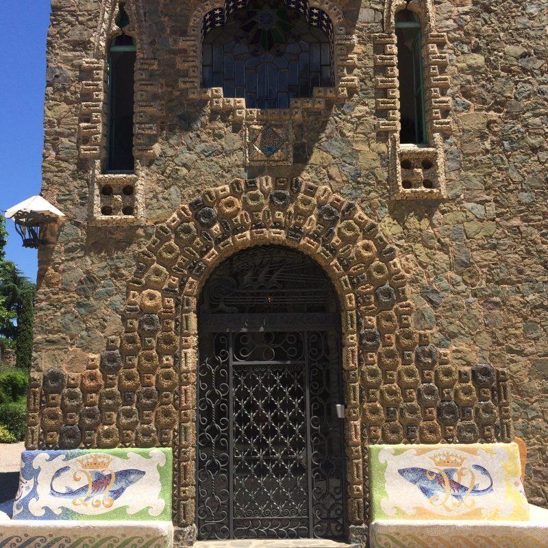 Gaudí Bellesguard door