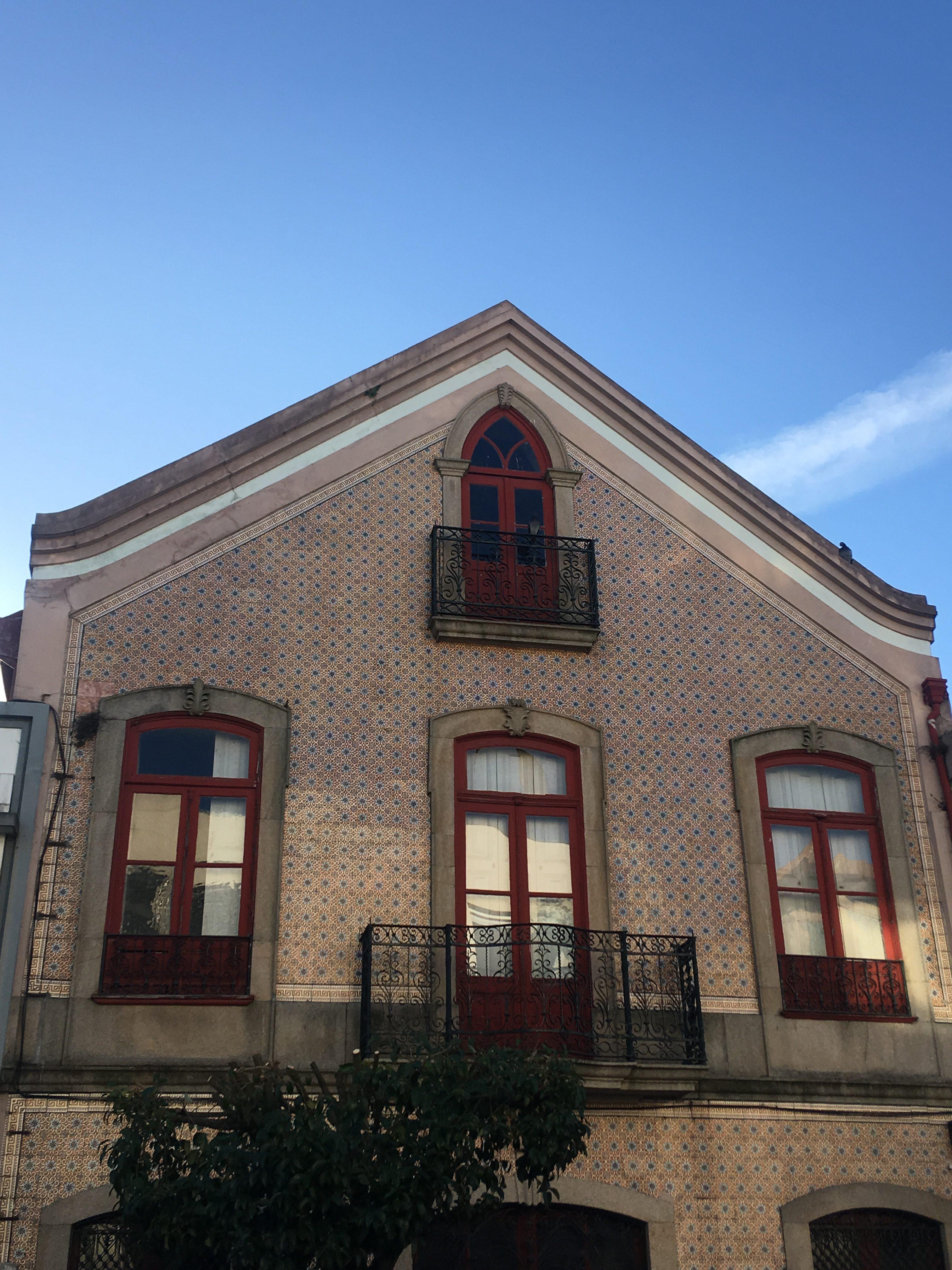 Private tours Art Nouveau Ovar - house façade