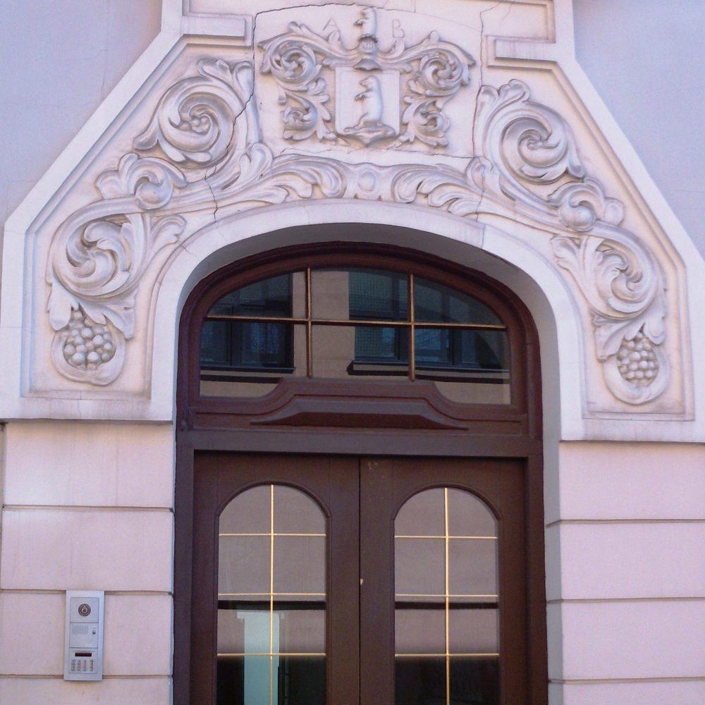 Private Tour Riga Latvia - door on a Paul Mandelstamm building